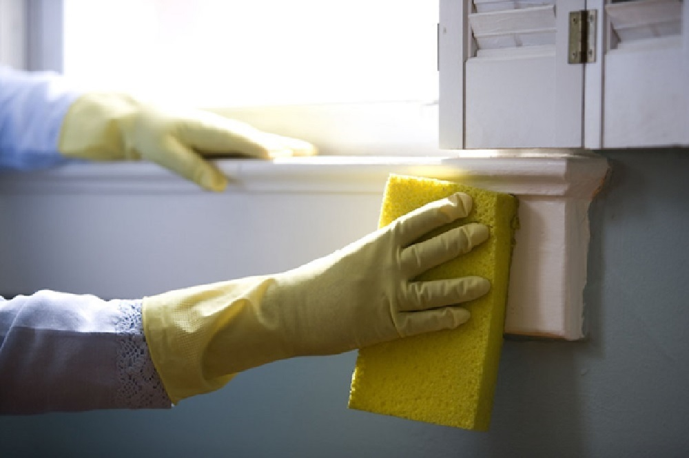 Wash your Window with a Sponge
